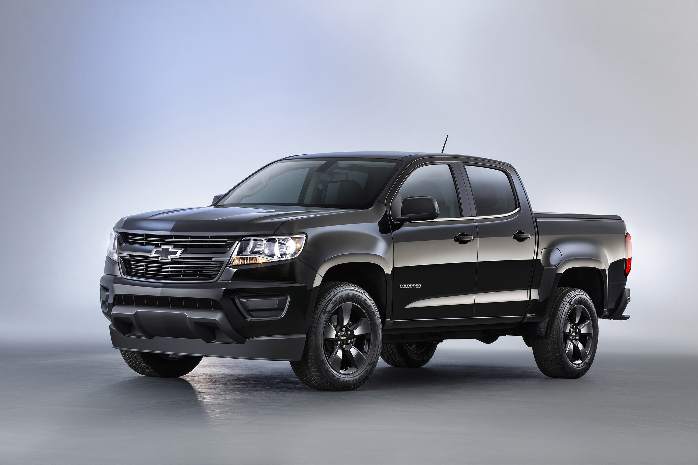Chevy Colorado 2016 Special Models Dressed To Impress