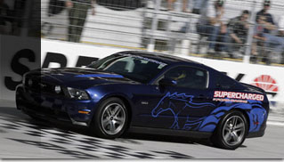David Ragan sets new record in 2011 Ford Mustang GT - Muscle Cars Blog