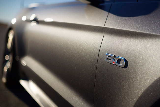 2015 Ford Mustang Convertible Front Angle