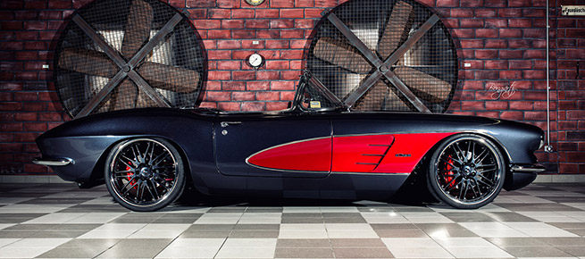 Wheelsandmore 1961 Chevrolet Corvette C1 Body Side