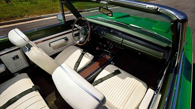 1969 Dodge Hemi Coronet R/T Convertible Interior