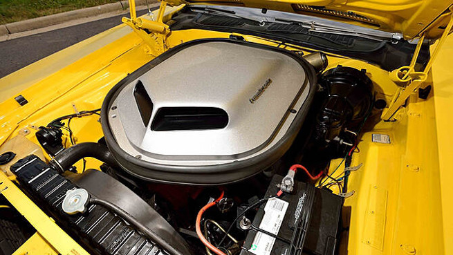 1970 Plymouth Hemi Cuda Convertible Engine