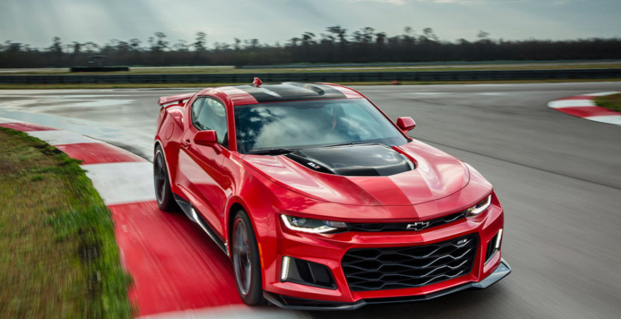 2017 Chevrolet Camaro ZL1 Front Angle