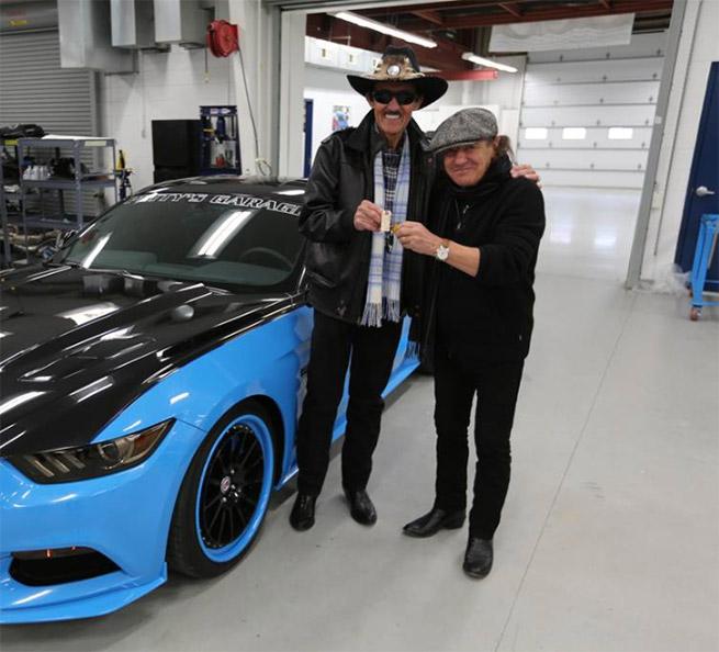 Petty Mustang GT