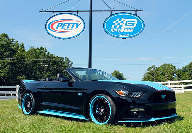 2015 Pettys Garage Mustang GT King Edition Front